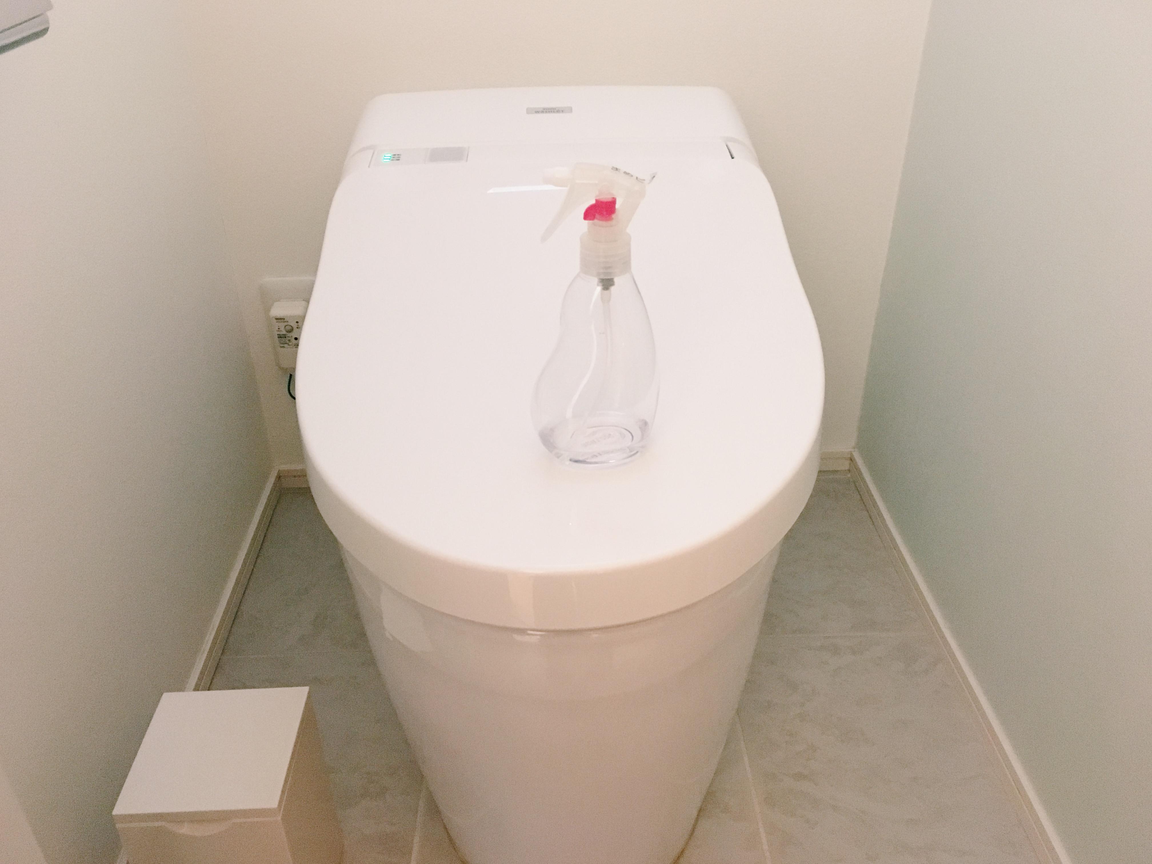 トイレの上の豆ピカ
