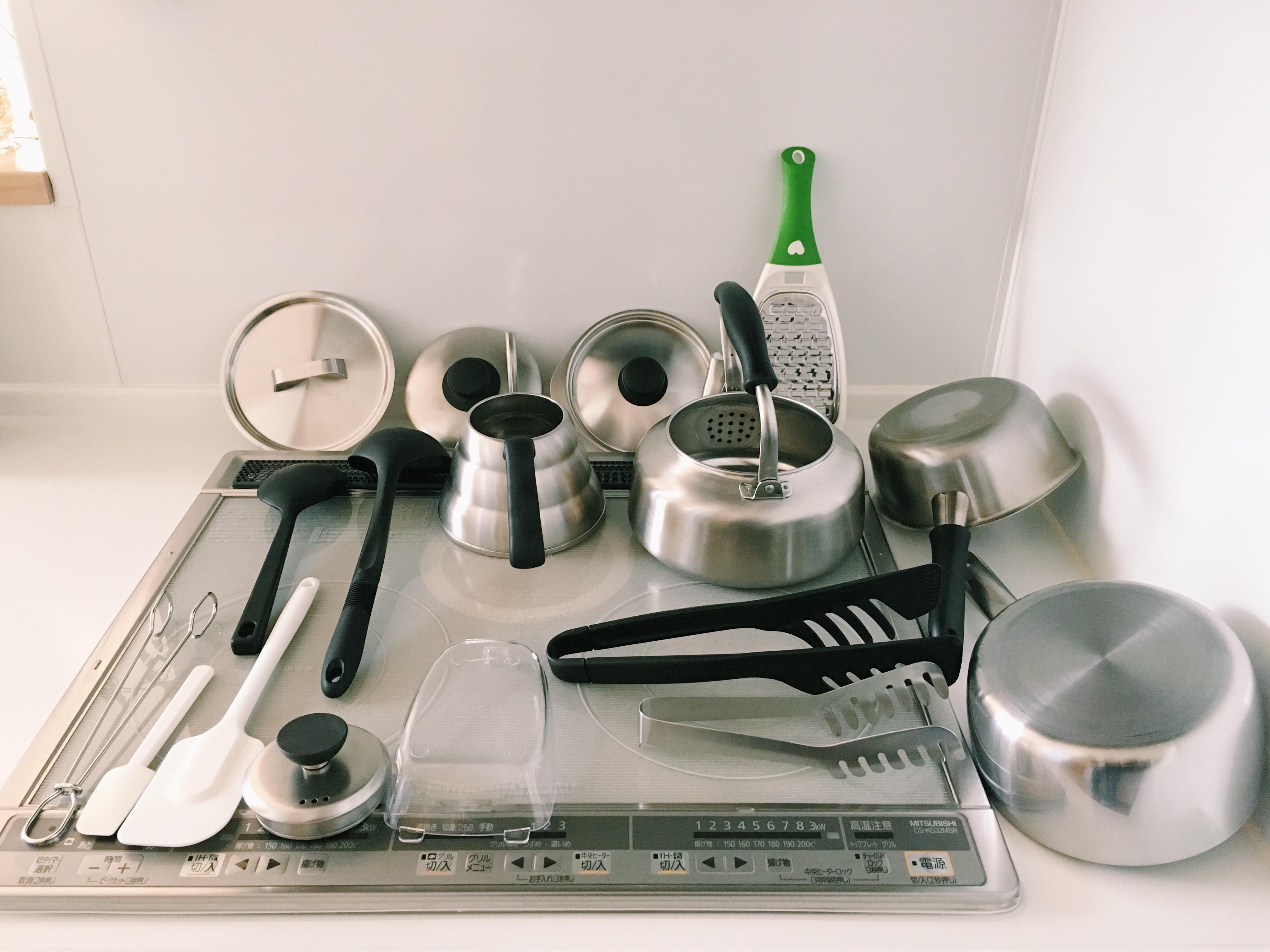 【オキシ漬けでピカピカ】シンクもキッチンツールも、まとめて漬けるだけ。キッチンシンクのオキシ漬け